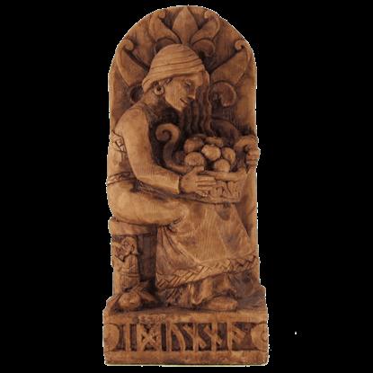 Seated Idunna Statue